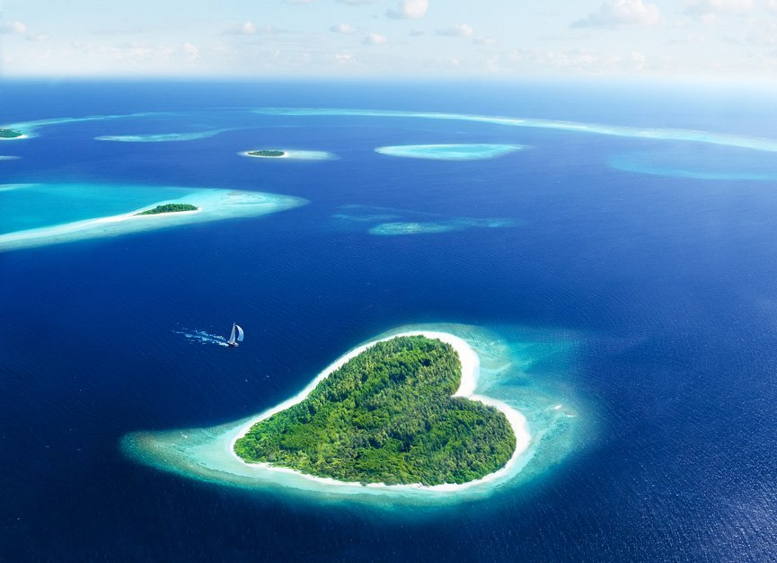 heart shaped island in maldives