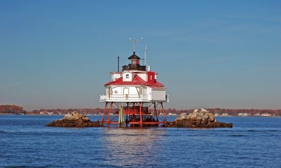 thomas point shoal lighthouse near annapolis