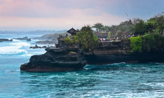 people on the edge in bali