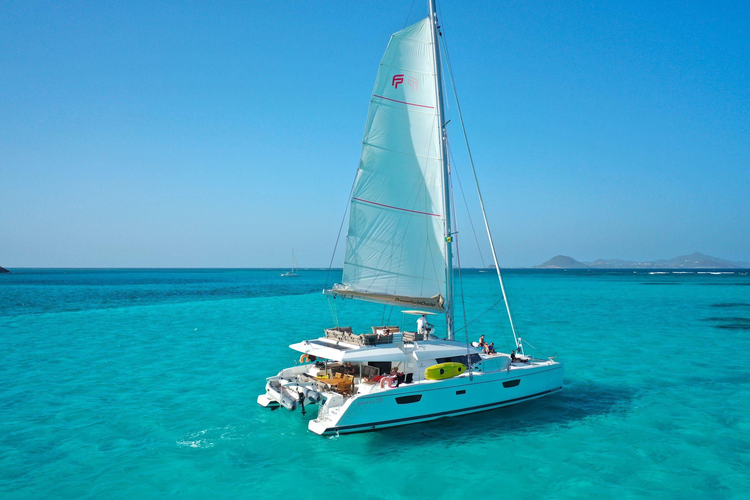 catamaran sailing in Grenadines