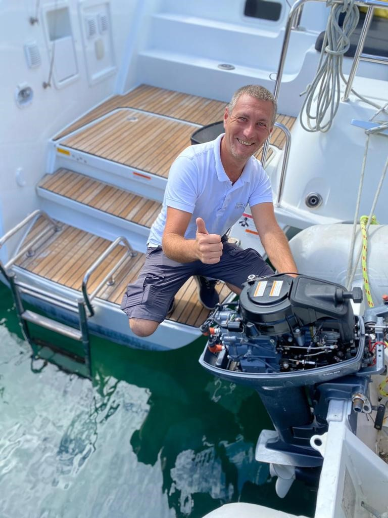Marine mechanic and outboard